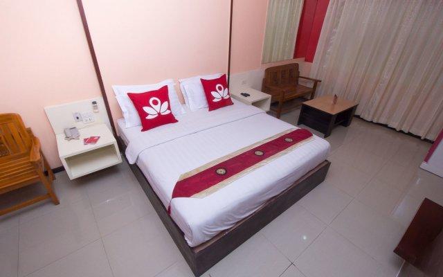 Отель Zen Rooms Surasak 1 Бангкок вид на фасад