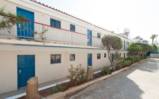 Green Bungalows Hotel Apartments in Ayia Napa, Cyprus from 98$, photos, reviews - zenhotels.com hotel front