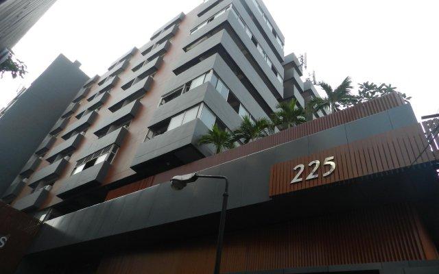 Отель Nanatai Suites Таиланд, Бангкок - отзывы, цены и фото номеров - забронировать отель Nanatai Suites онлайн вид на фасад