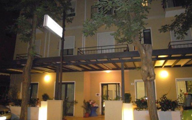 Отель ASSO Римини вид на фасад