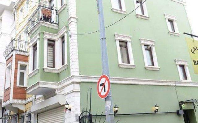 Отель Green Bird Suit вид на фасад