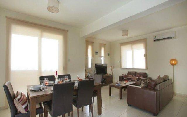 Отель 3 Br Villa Clover - Chg 8875 Протарас комната для гостей