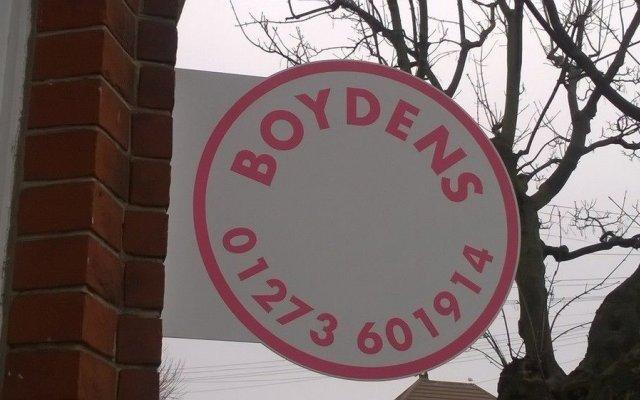 Отель Boydens Guest House Великобритания, Кемптаун - отзывы, цены и фото номеров - забронировать отель Boydens Guest House онлайн вид на фасад