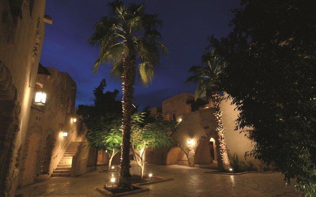 Отель Movenpick Resort & Spa Dead Sea вид на фасад