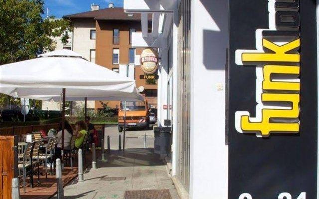 Funk Lounge Hostel вид на фасад
