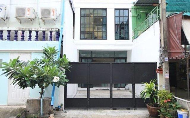 L22 Hostel вид на фасад