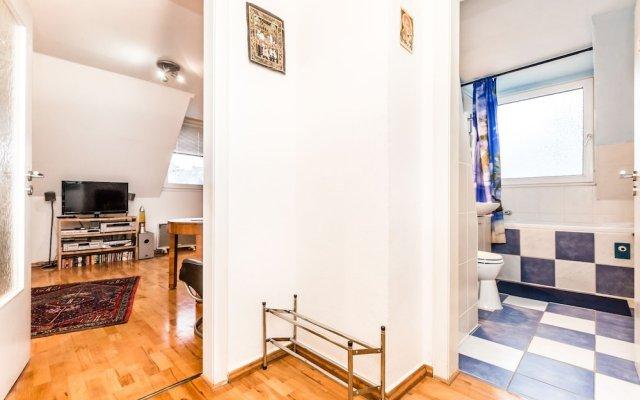 Апартаменты Apartment Köln Nippes Кёльн комната для гостей