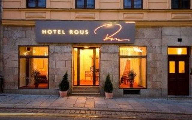 Hotel Rous Пльзень вид на фасад