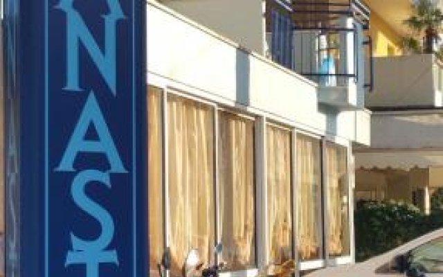 Отель Canasta Италия, Риччоне - отзывы, цены и фото номеров - забронировать отель Canasta онлайн вид на фасад