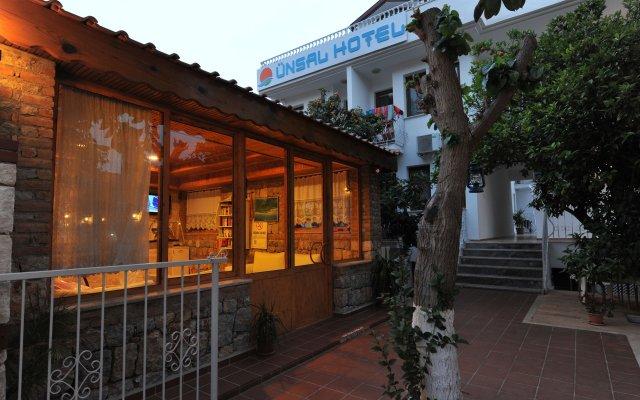 Ünsal Hotel вид на фасад