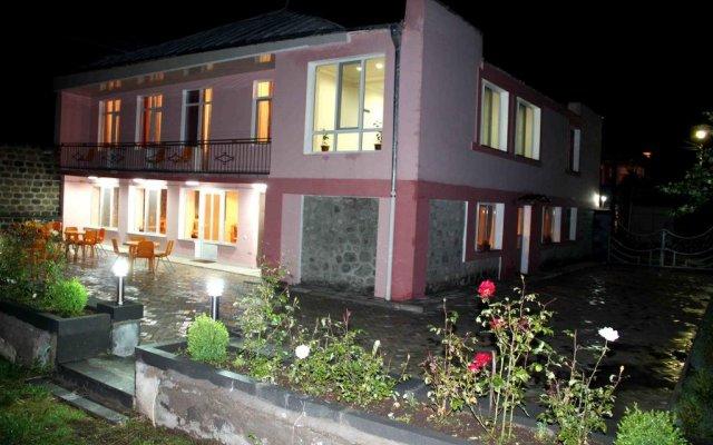 Zanger Hotel вид на фасад
