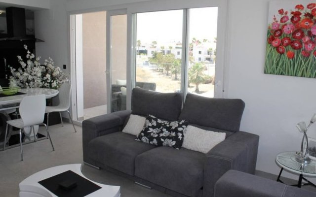 Отель LA Fuente 3 Bedroom Apartment With Comm Pool Испания, Ориуэла - отзывы, цены и фото номеров - забронировать отель LA Fuente 3 Bedroom Apartment With Comm Pool онлайн