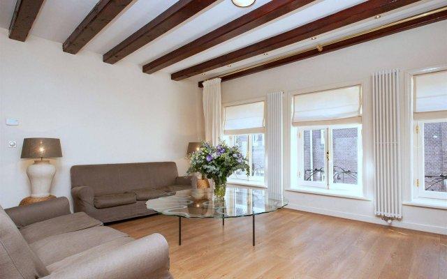 Апартаменты Leidse Square City Center Apartments комната для гостей