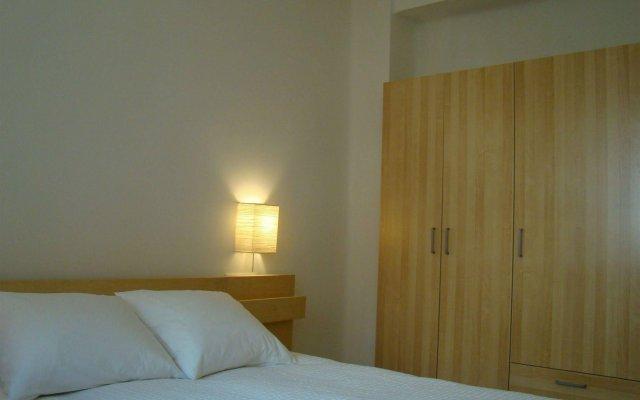 Отель Ember Housing комната для гостей