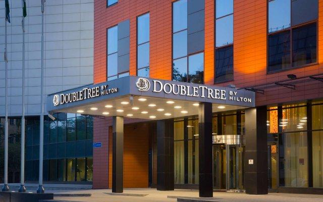 Гостиница DoubleTree by Hilton Novosibirsk вид на фасад