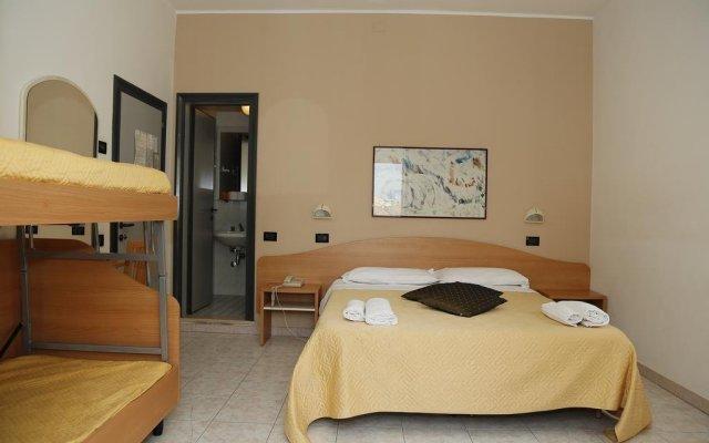 Hotel Villa Dina Римини комната для гостей