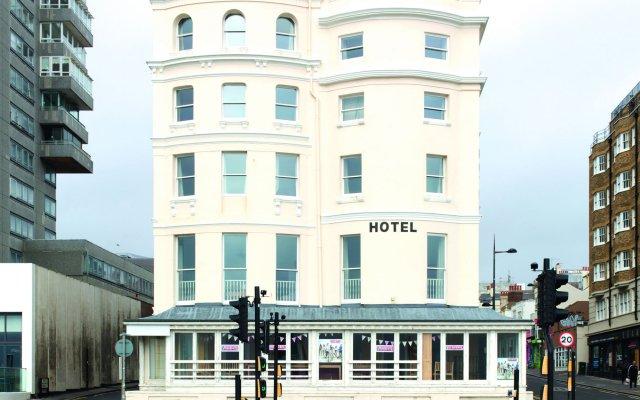 West Beach Hotel вид на фасад