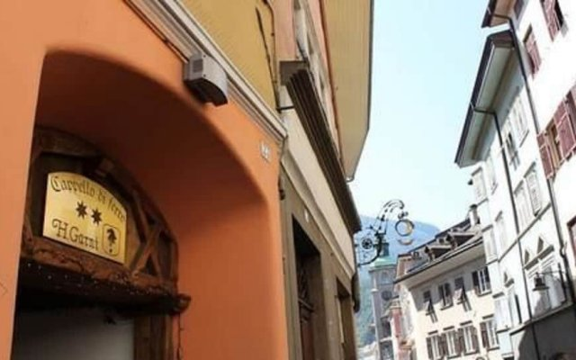 Hotel Cappello Di Ferro Больцано вид на фасад