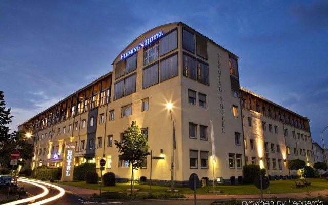Fleming's Conference Hotel Frankfurt вид на фасад