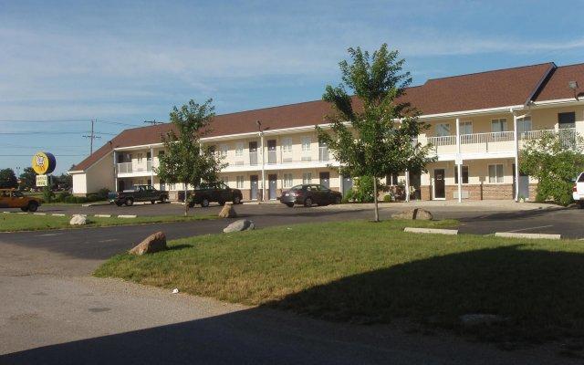 Отель Kozy Inn Columbus Колумбус вид на фасад