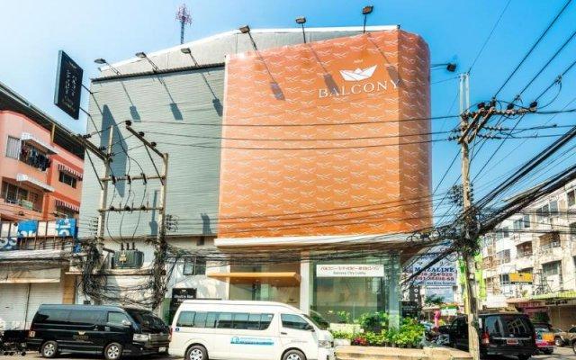 Апартаменты Laemtong Service Apartment вид на фасад