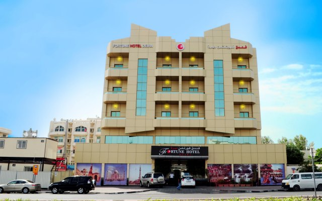 Fortune Hotel Deira вид на фасад