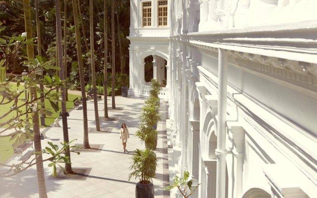 Отель Raffles Singapore вид на фасад