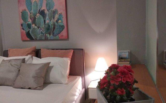 Апартаменты Ellie's Cozy Apartment комната для гостей