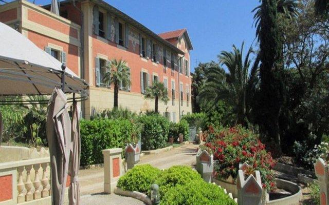 Отель Chambre d'hôtes Serenita di Giacometti вид на фасад