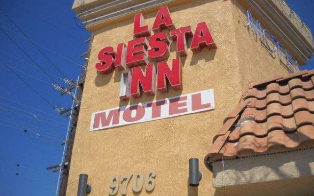 Отель La Siesta Inn США, Южные ворота - отзывы, цены и фото номеров - забронировать отель La Siesta Inn онлайн вид на фасад