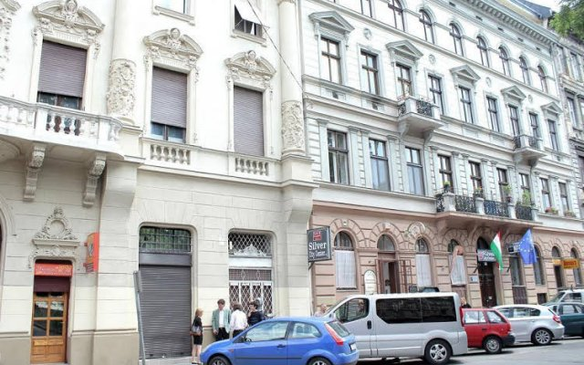 Апартаменты Hunyadi Ter Apartments вид на фасад