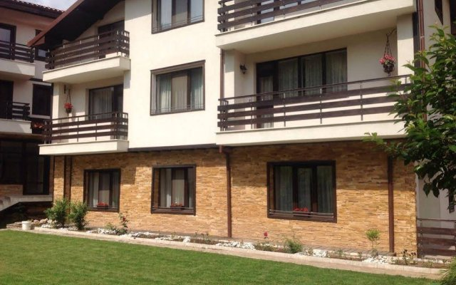 Отель Guesthouse Saint George Болгария, Чепеларе - отзывы, цены и фото номеров - забронировать отель Guesthouse Saint George онлайн вид на фасад