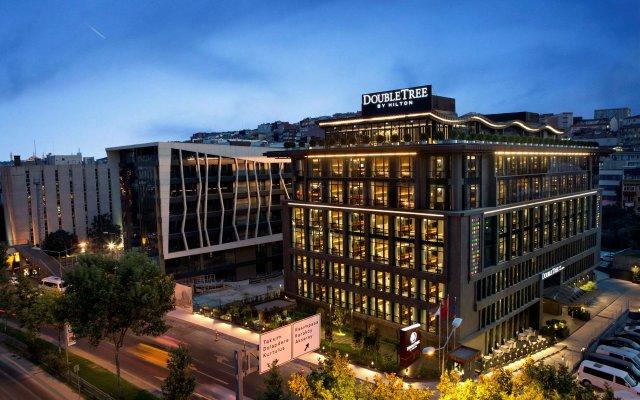 DoubleTree by Hilton Hotel Istanbul - Piyalepasa Турция, Стамбул - 3 отзыва об отеле, цены и фото номеров - забронировать отель DoubleTree by Hilton Hotel Istanbul - Piyalepasa онлайн вид на фасад