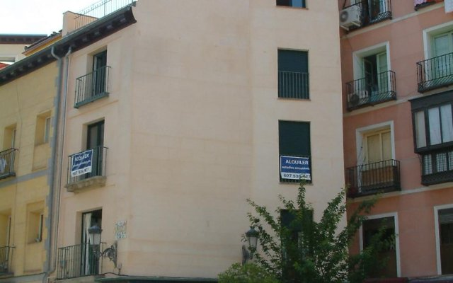 Отель Apartamentos Cruz вид на фасад