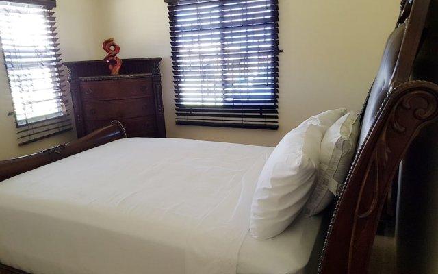 Отель Timeless Vacation Home комната для гостей