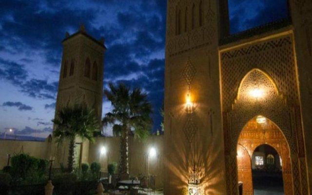 Отель Kasbah Asmaa Марокко, Загора - отзывы, цены и фото номеров - забронировать отель Kasbah Asmaa онлайн вид на фасад