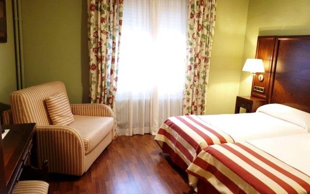Отель Husa Urogallo Испания, Вьельа Э Михаран - отзывы, цены и фото номеров - забронировать отель Husa Urogallo онлайн комната для гостей
