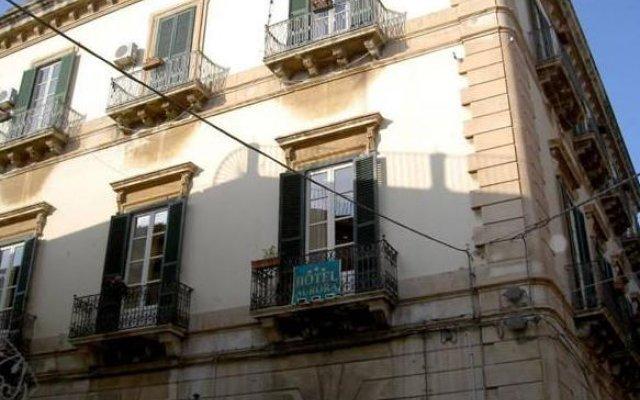 Отель B&B Airone Сиракуза вид на фасад