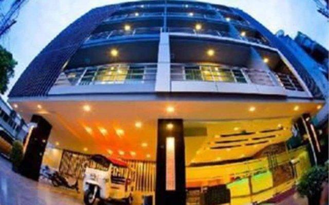 Отель Privacy Suites Бангкок вид на фасад