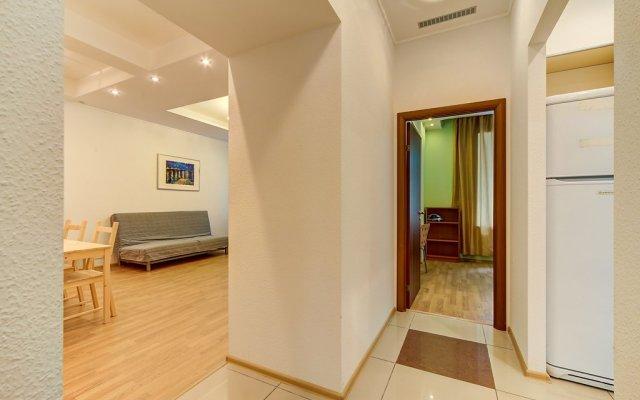 Апартаменты Stn Apartments Near Hermitage комната для гостей