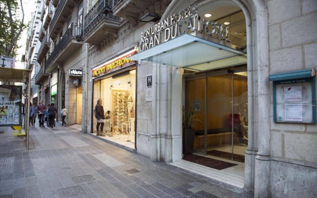 Отель BCN Urban Hotels Gran Ducat Испания, Барселона - 5 отзывов об отеле, цены и фото номеров - забронировать отель BCN Urban Hotels Gran Ducat онлайн вид на фасад