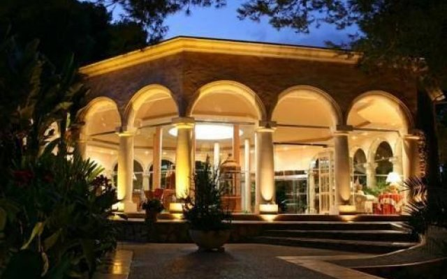 Lago Garden Apart-Suites & Spa Hotel вид на фасад