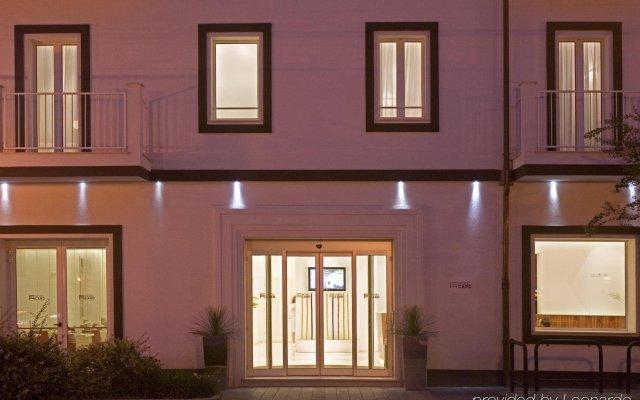 Отель Card International Италия, Римини - 13 отзывов об отеле, цены и фото номеров - забронировать отель Card International онлайн вид на фасад