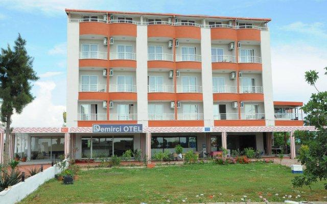 Demirci Hotel вид на фасад