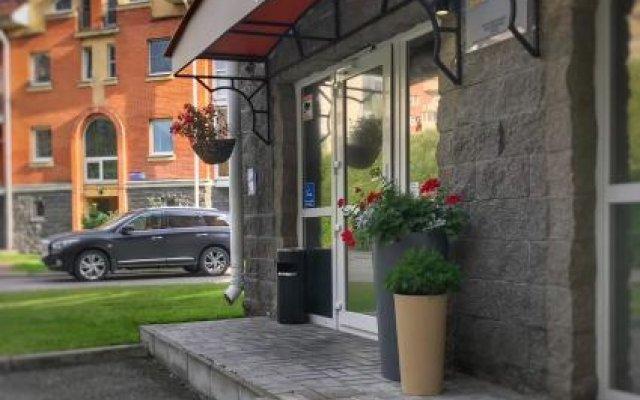 Гостиница Guest rooms Club Marinn вид на фасад