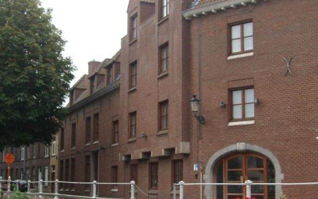 Отель ROSENBURG Брюгге вид на фасад