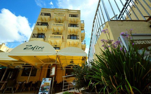 Hotel San Andrea вид на фасад