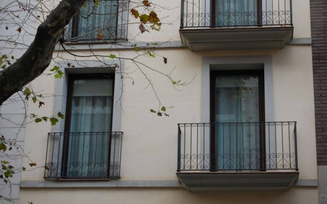 Апартаменты Up Suites Bcn вид на фасад