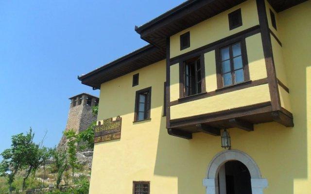 Отель Rooms Merlika Албания, Kruje - отзывы, цены и фото номеров - забронировать отель Rooms Merlika онлайн вид на фасад