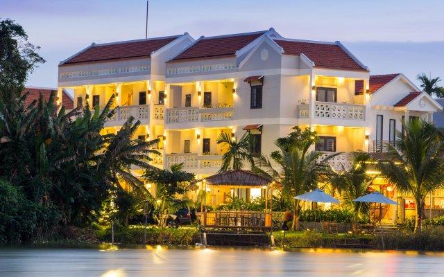 Отель Hoi An Corn Riverside Villa вид на фасад